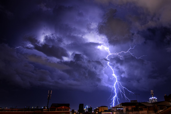 Read more about the article We offer emergency power restoration services