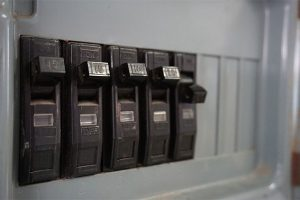 """Beware of """"double-tapped"""" circuit breakers in your electrical panel"""