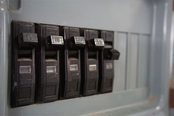 "Beware of ""double-tapped"" circuit breakers in your electrical panel"